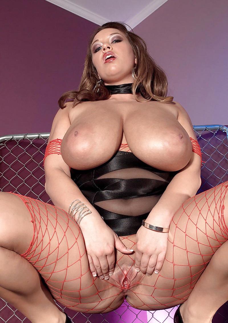 Порно огромные сиськи в сеточках видео, порно объясни как трахают баб