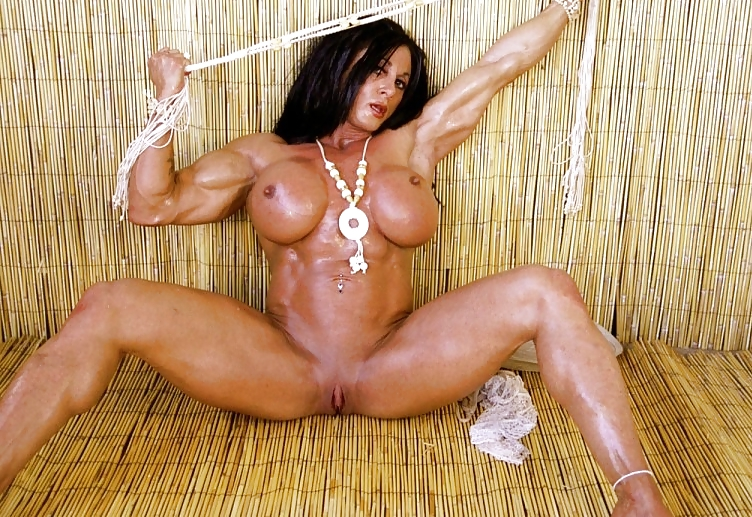 hot-bodybuilder-girl-fucked