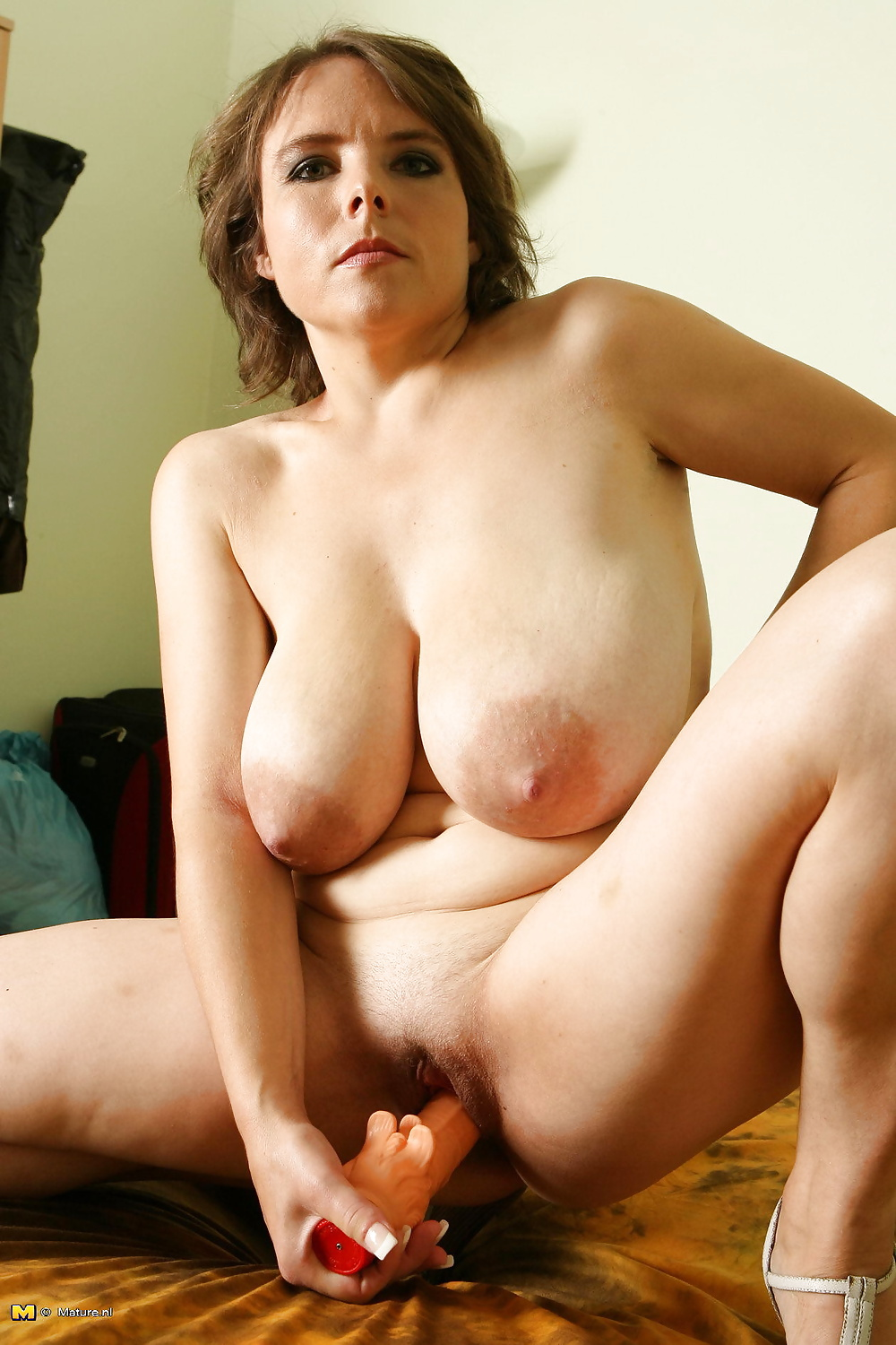 Young girl with mature busty woman — photo 6