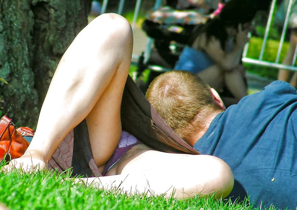 Сексуальных украинских засветы пизд в парках фото