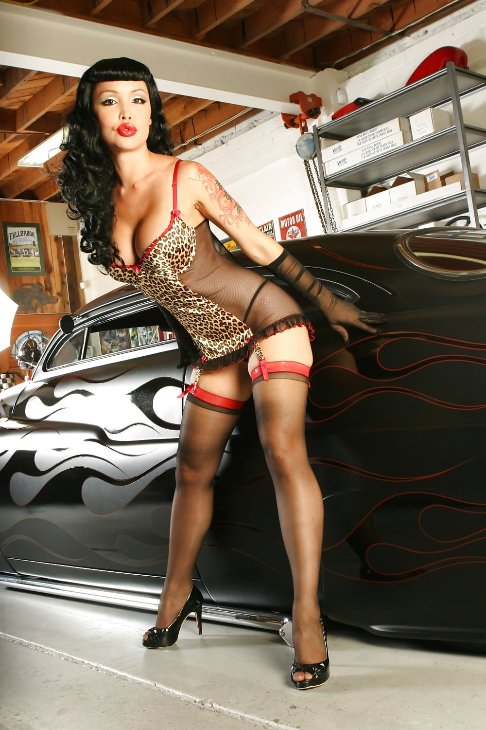 busty-rockabilly-girl-hot-big