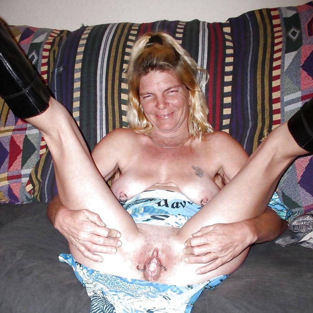 Ugly slut getting gucked