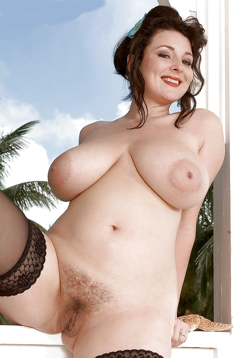 joely-fisher-fake-nude