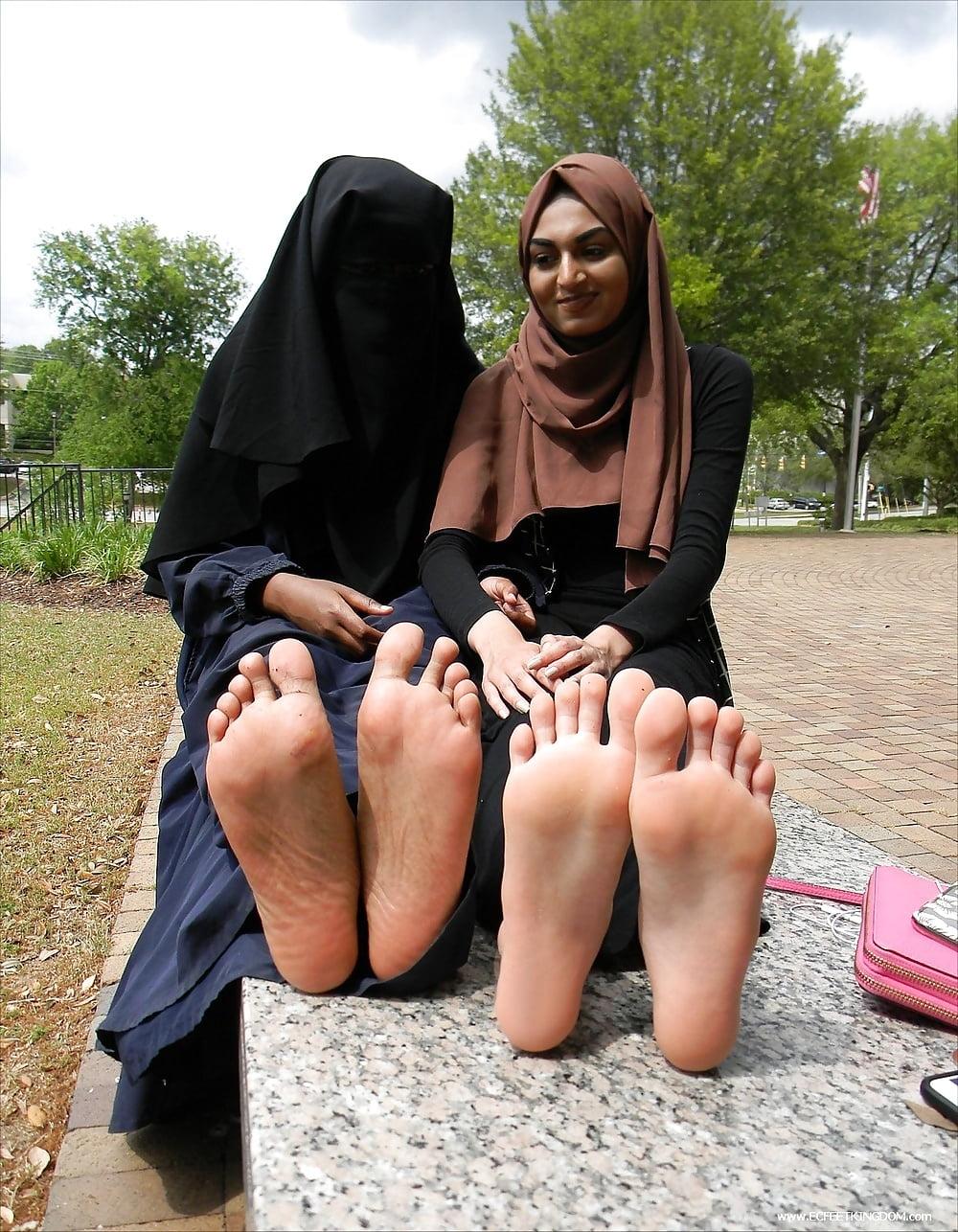Hijab footjob