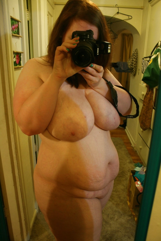 self-shot-chubby-milf