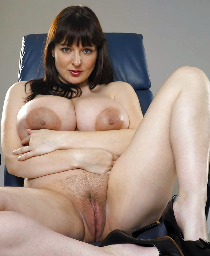 Mature wife legs spread