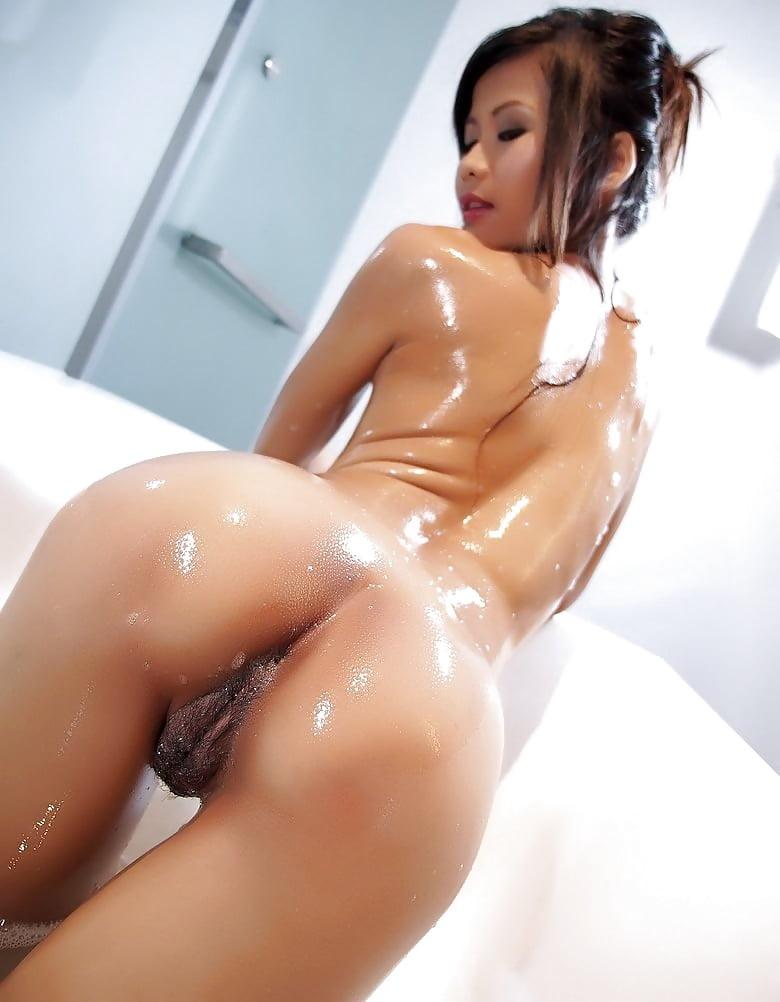 пропитая смотреть порно азиатки в масле том единственную пуговицу