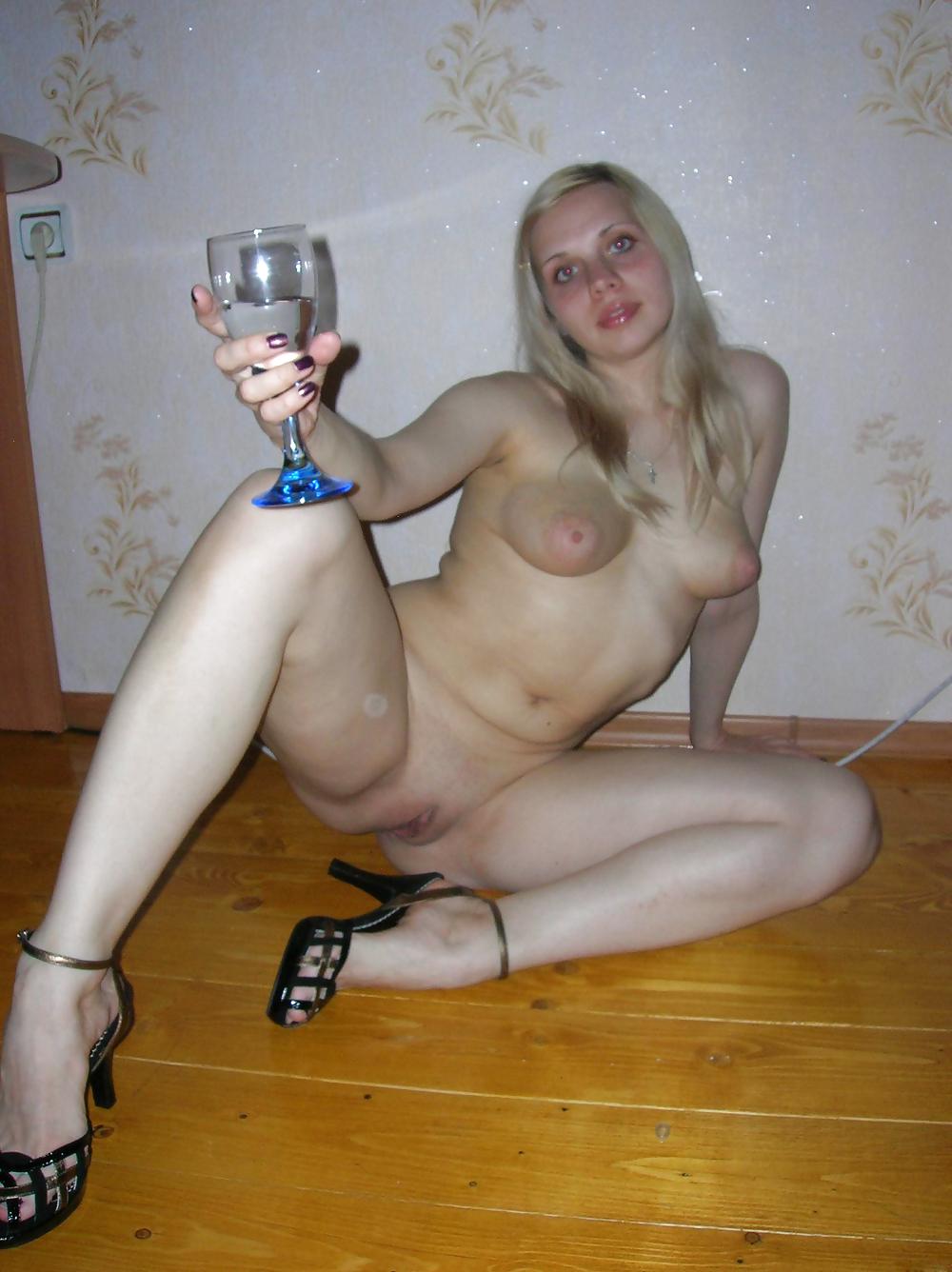 Русские бляди в саках, порно видео стройных лесбиянок