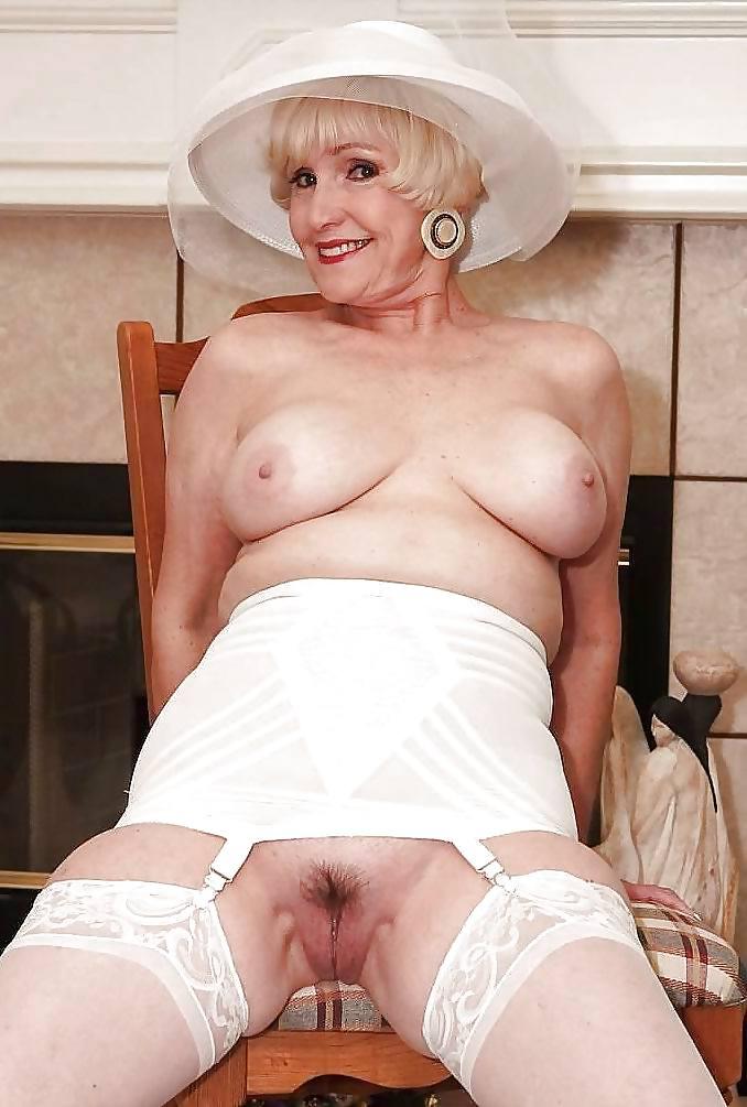 porno-ladies-in-retiret-nudist-collins-beach