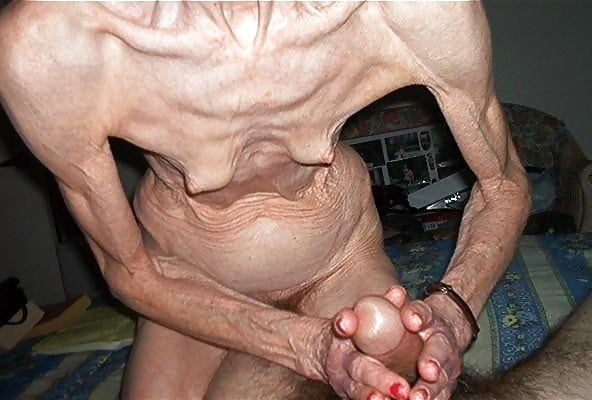 porevo-lyudey-s-urodlivimi-genitaliyami