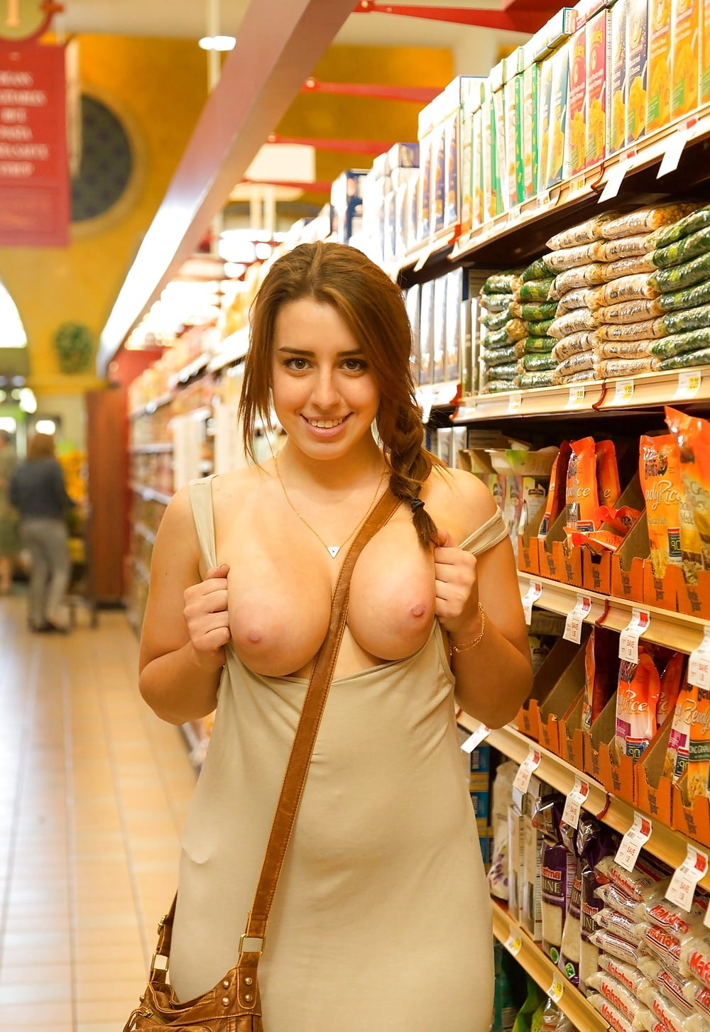 free-milf-shopping-galleries