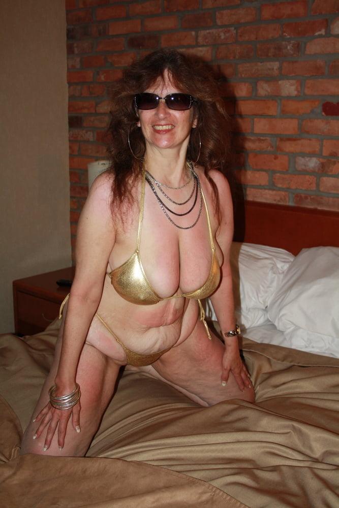 Mature women in skimpy bikinis-6977