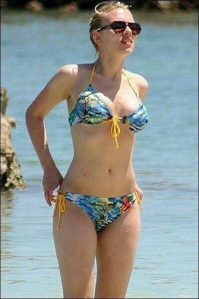 Scarlett johansson bikini photos-5559