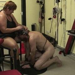 A LEAK HORNY SLAVE Visit Me