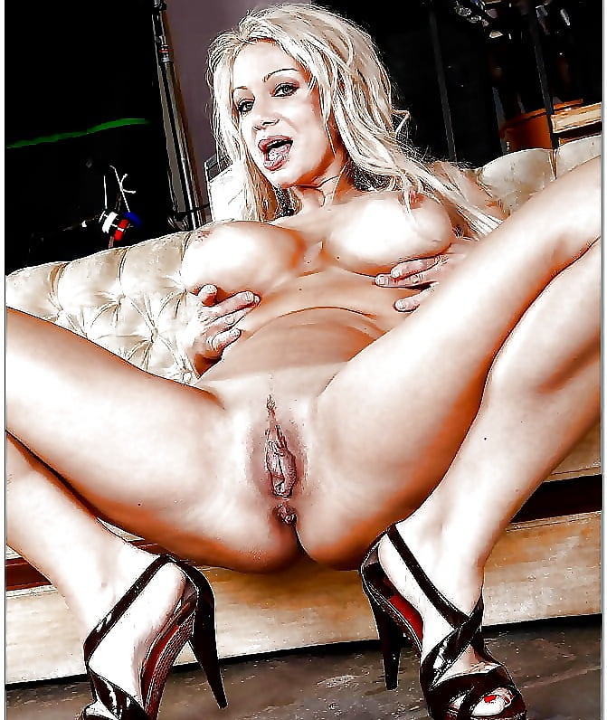 Mature Blonde Woman In Red Sandals With High Heels, Paris Is Offering Her Wet Pussy