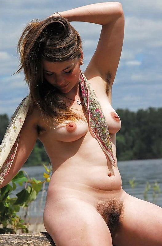 Brunette hippy pussy, kristie marsden topless