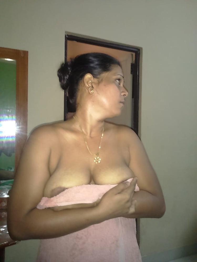 Sexy Srilankan Nude Pic HD