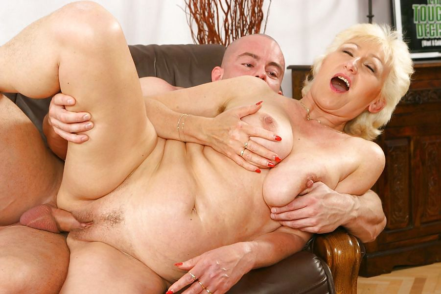 Old lady pov hardcore sex photo