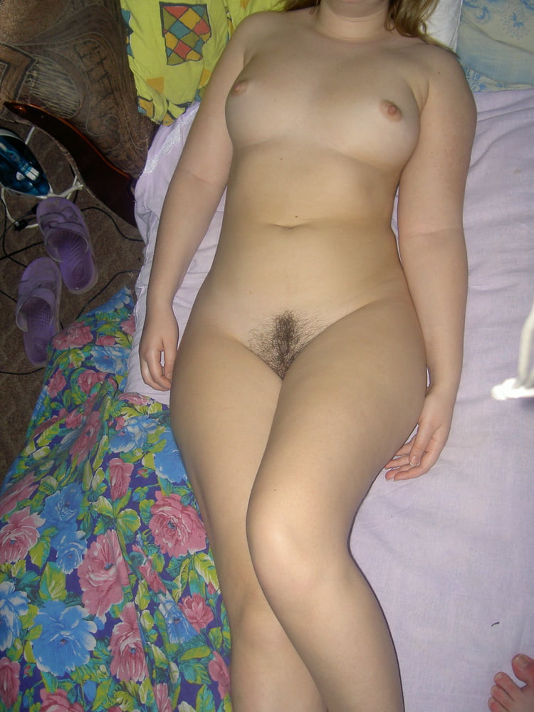 PAWG And Hairy Bush - 29 Pics