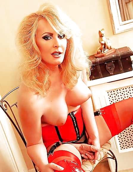 блондинка трансвестит фото анальный секс