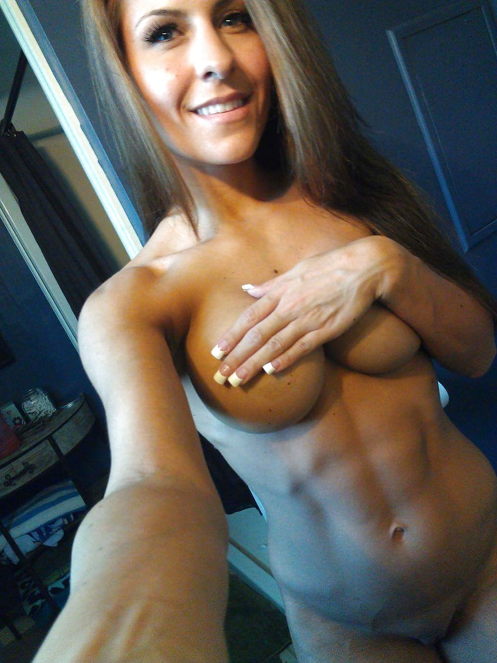 Hot Sexy Fit Women Nude