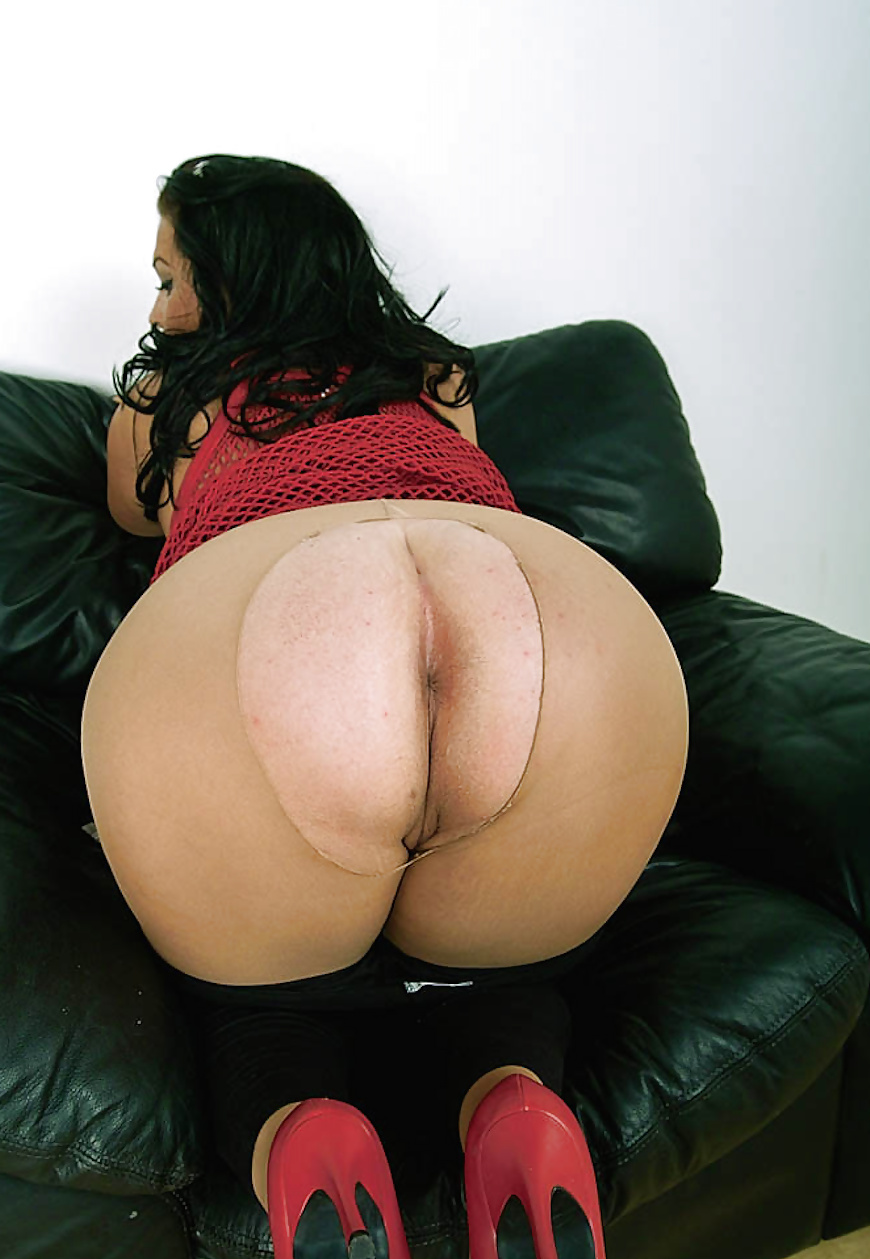 Big booty in loose dress porn 12