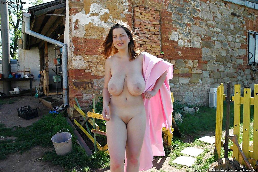Фото грудастой жены и мужа в деревне #9
