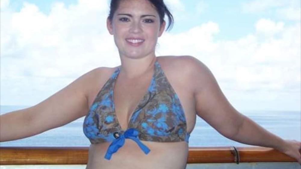 Sexy teacher. Normal pics and bikini pics - 25 Pics