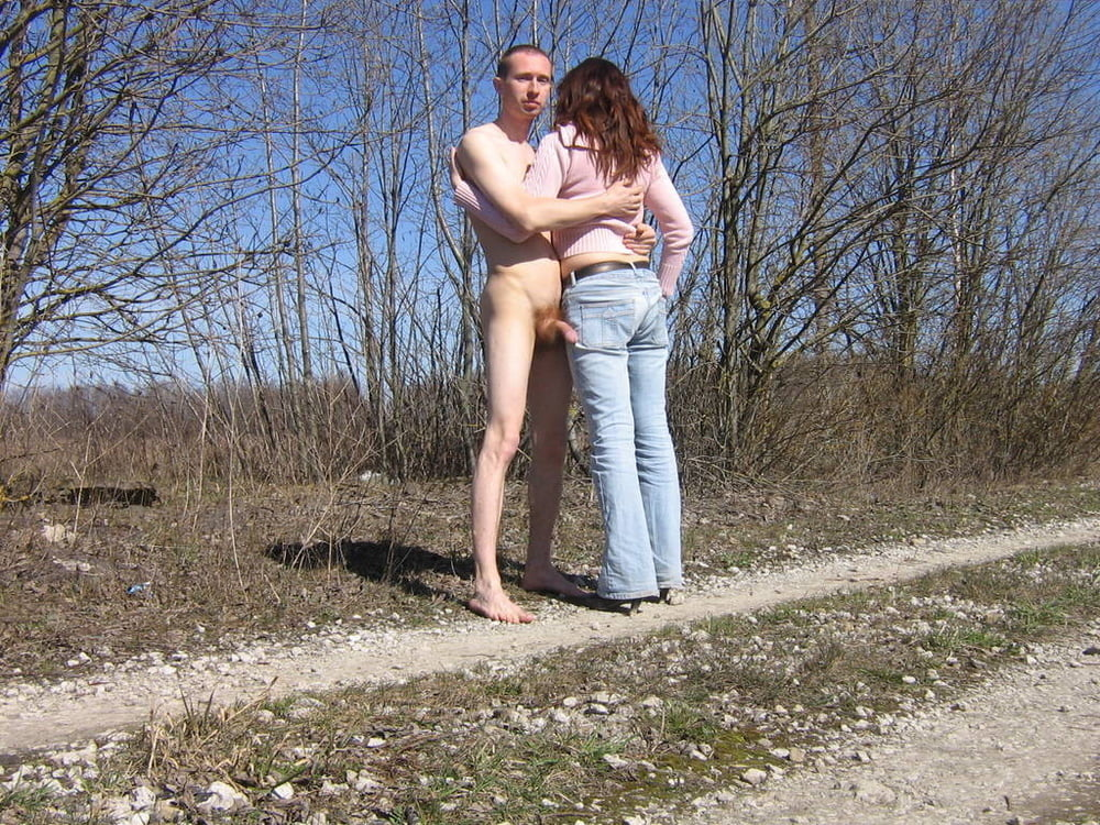 golie-zhenshini-s-muzhikami-na-ulitse-kartinki-lesbiyanka-video-aypad