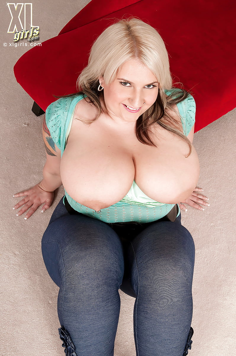 Big floppy boobies
