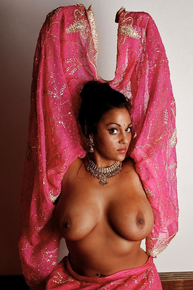 sexy-indian-sari-naked-women