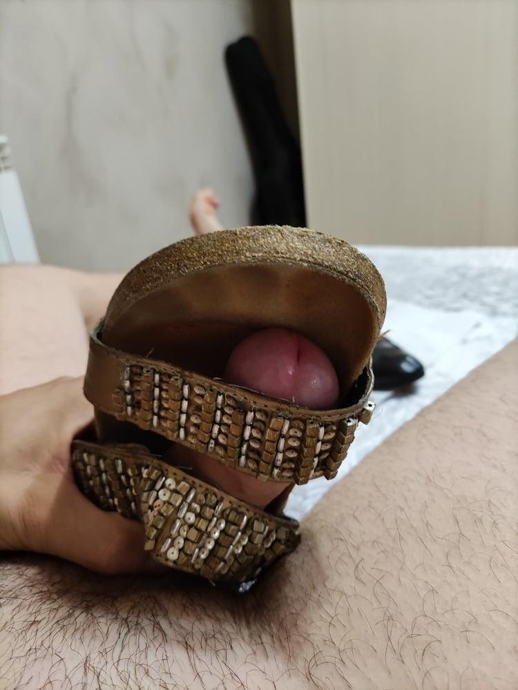Worn slipper toeprint nice smell