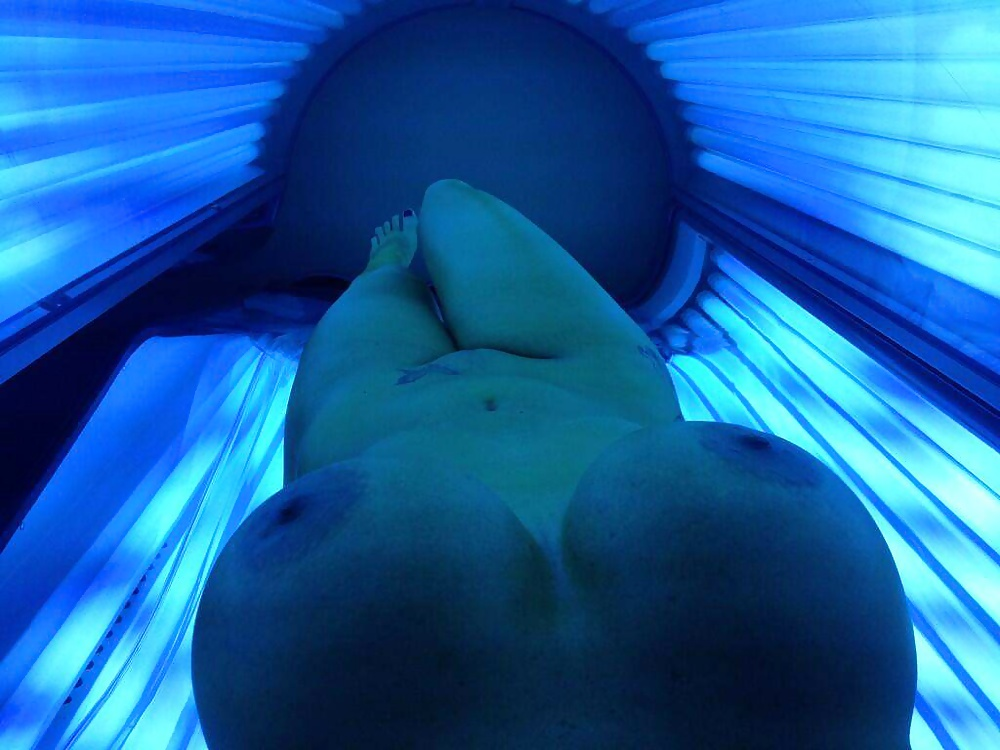 Naked tanning bed dildo 11