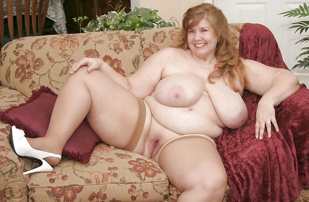 зрелая полная голая тетка