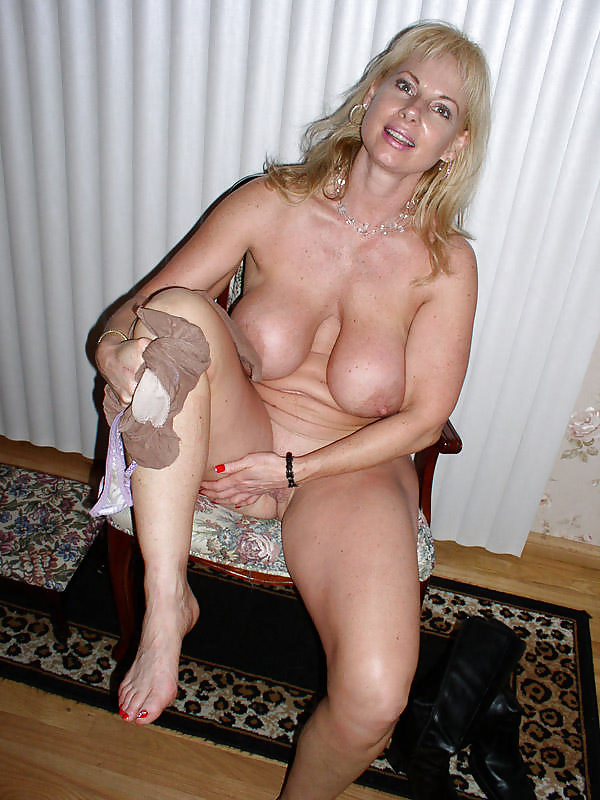 Blonde Busty Mature Milf Peggy - 35 Pics  Xhamster-8466