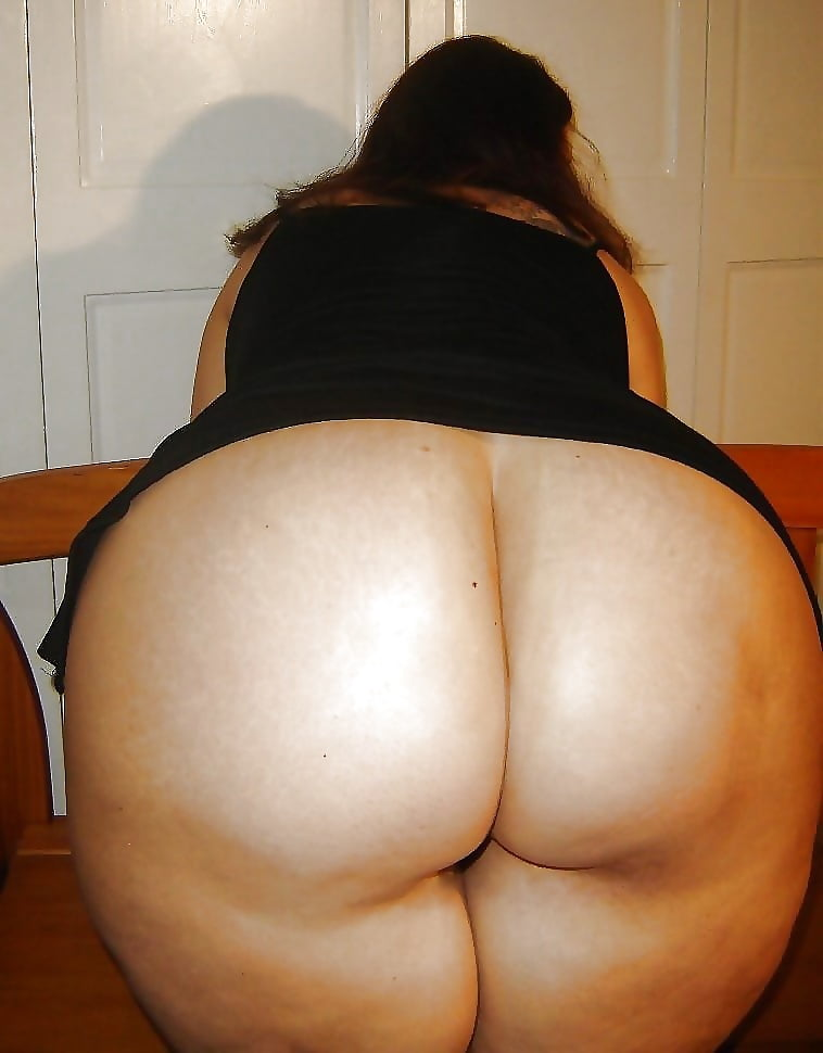 Naked female fat ass — 4
