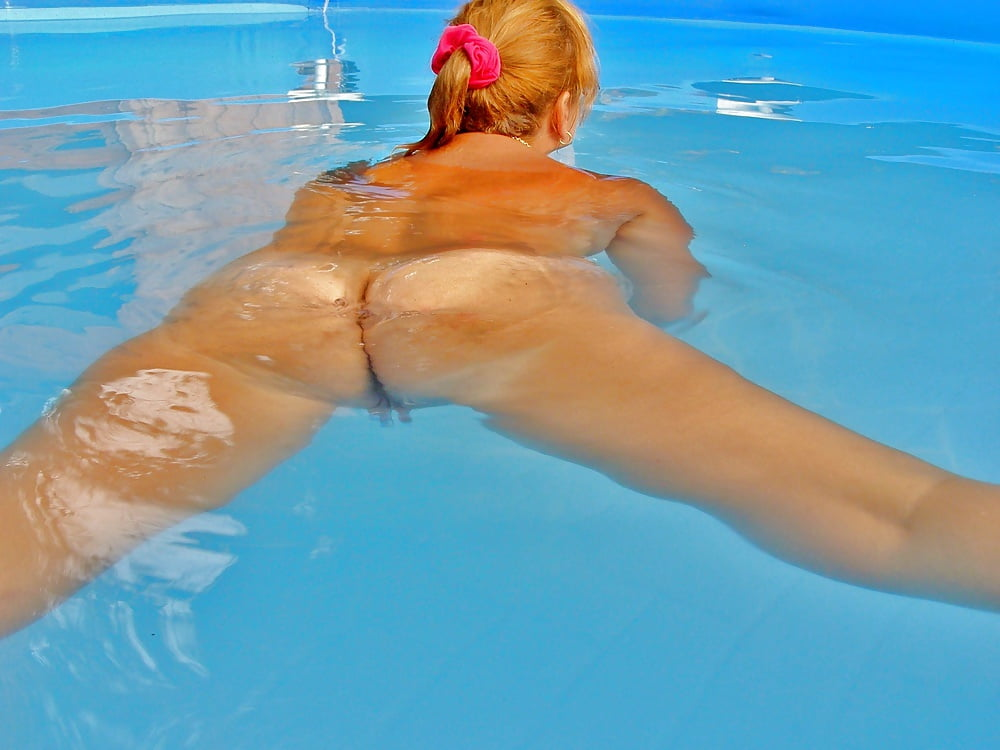 Girl swimming pool porn