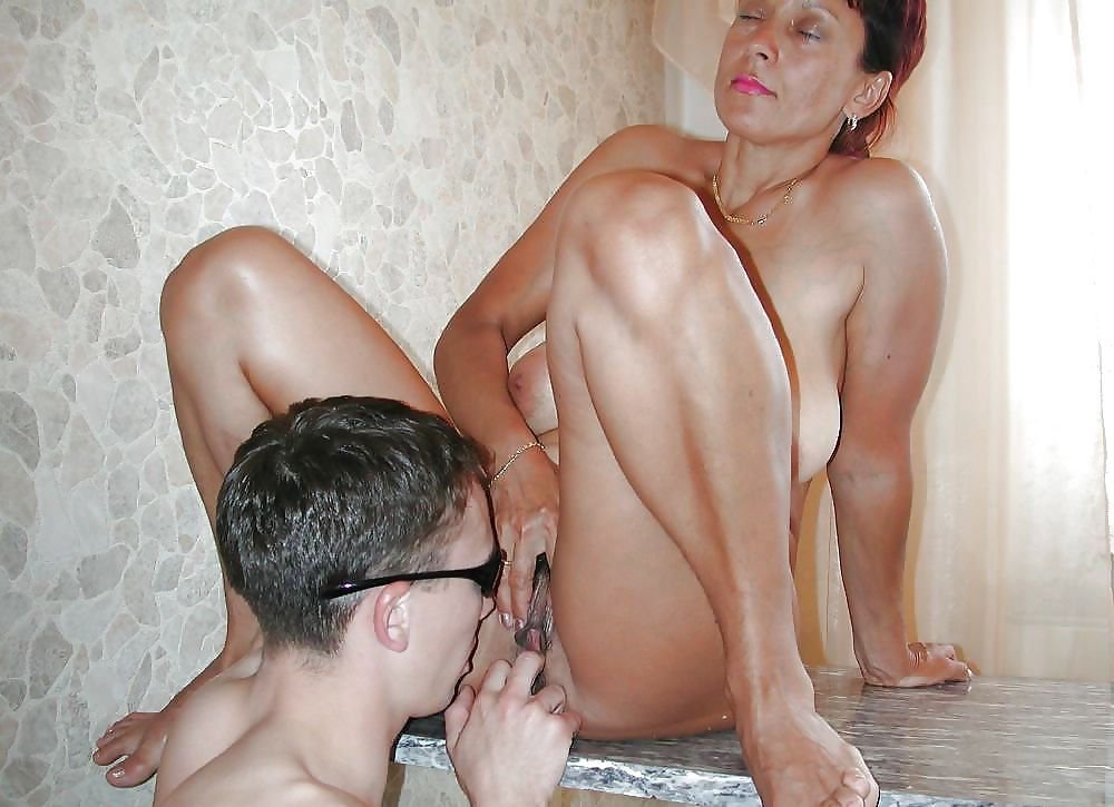 Grils sex mature mom boy pics video male artist