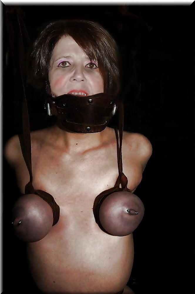 Breastfeeding bondage