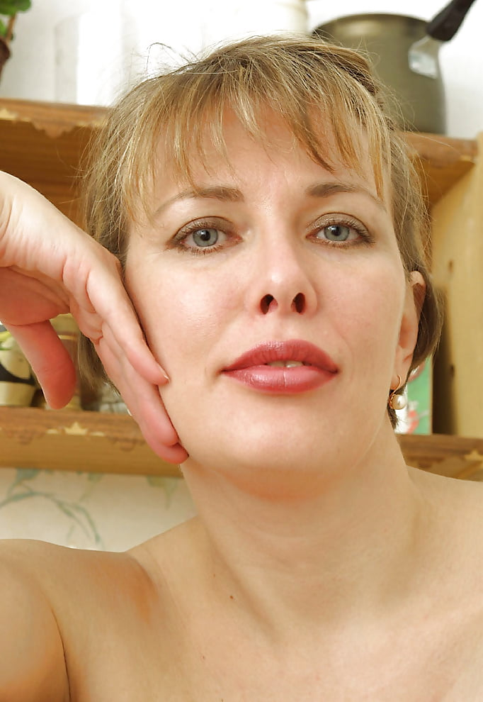Жена люба голенькая фото, порно босс смотрел как ебут прислугу
