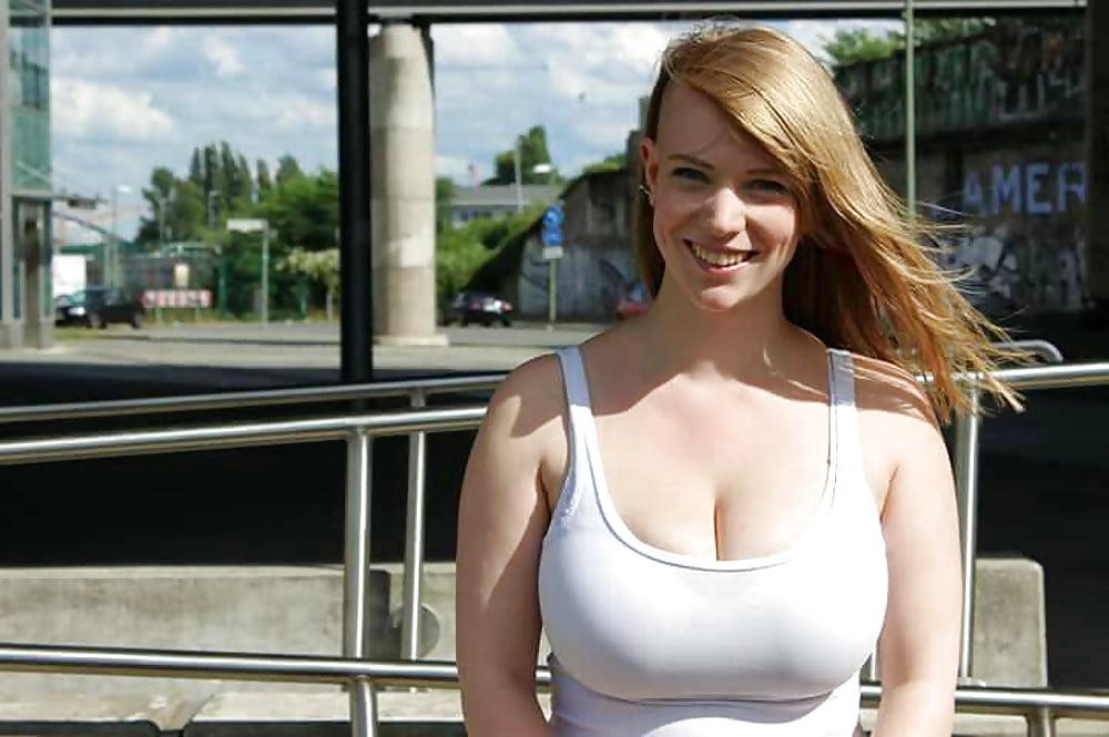 Nackt curvy berlin Kostenloses nackte