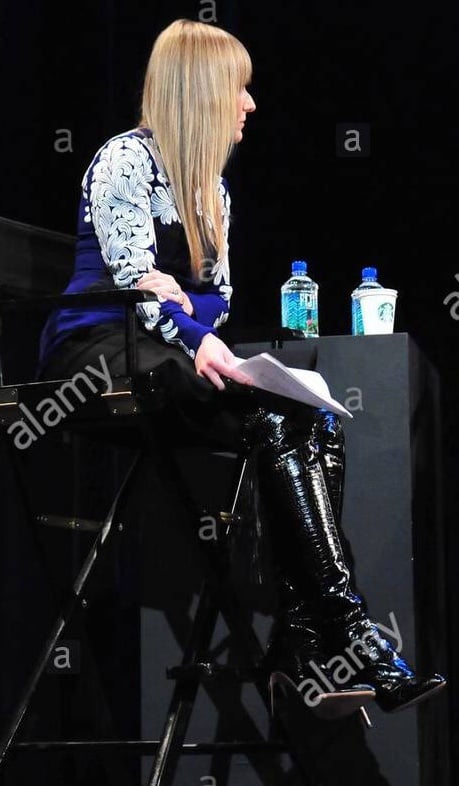 Female Celebrity Boots & Leather - Amy Astley - 21 Pics
