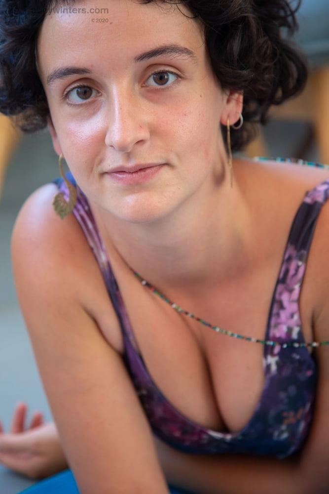 HAIRY GIRL ADELINA - 14 Pics