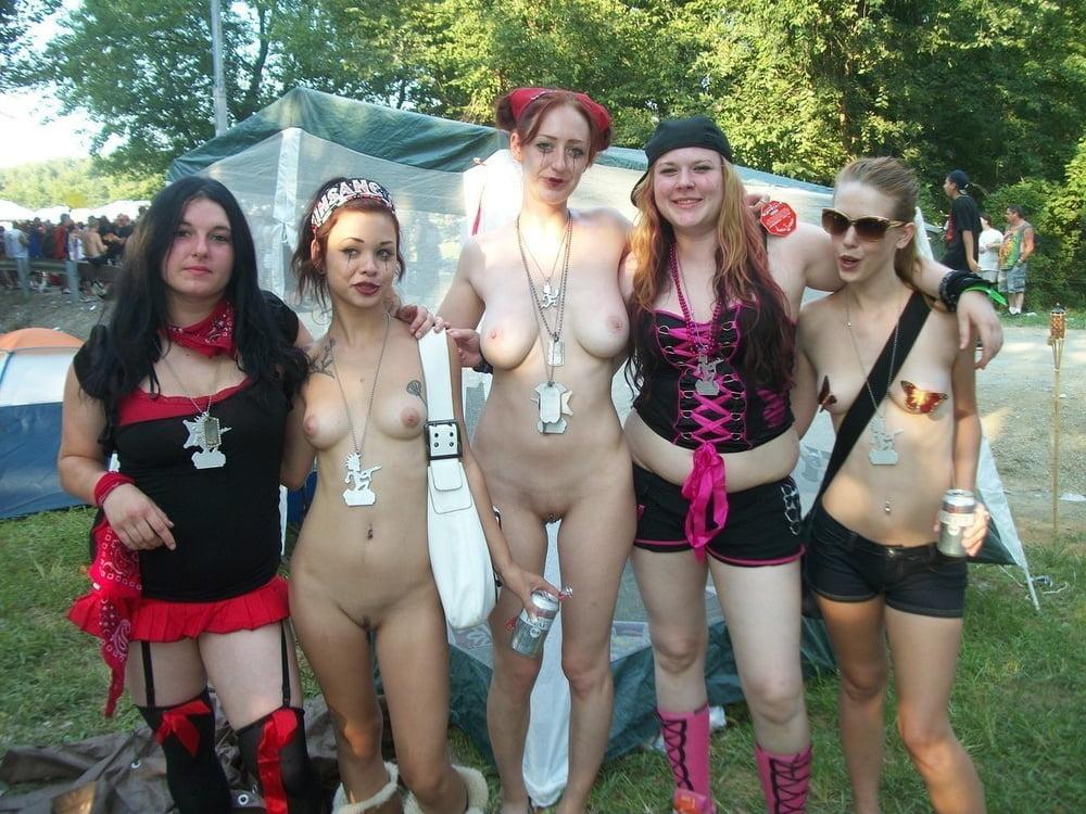 black-girl-naked-girl-pussy-at-rave
