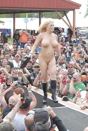 Nudist girls pics