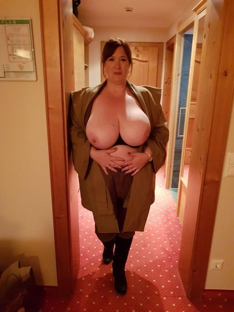 Mature Swinger Big Tits