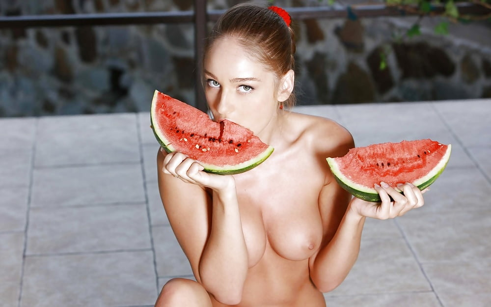 Watermelon woman naked — photo 2