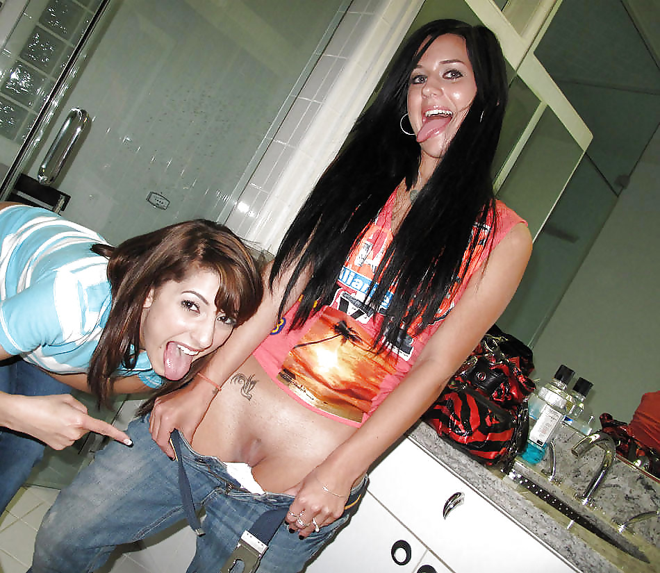 amateurs naked at home