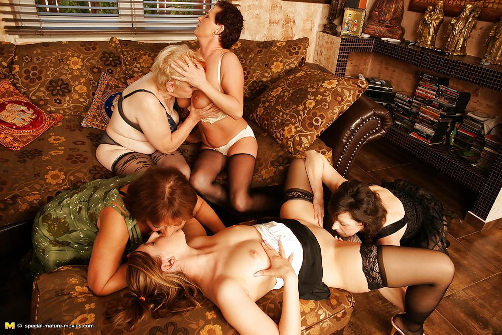Фаллос стенке лесбиянки бальзаковского возраста фото