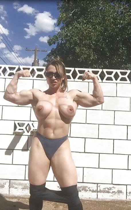 Brandi Mae Biceps FapVid 1